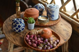 pottery, onion, vegetable